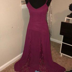 Tobi Lace Inlet Maroon Dress